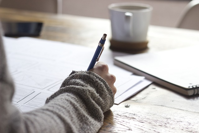 Gör research innan du sätter igång med ditt takprojekt. Tänk på att reglerna för ROT-avdrag kan ändras. Gå in på Skatteverket.se om du vill hålla dig uppdaterad.